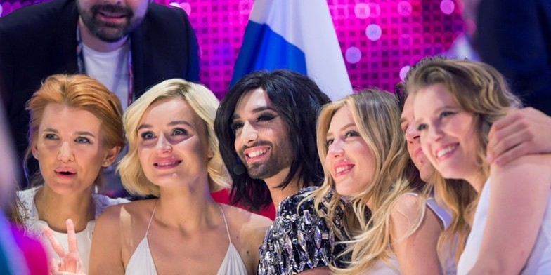 2015: Russian Polina with Conchita Wurst in Green Room