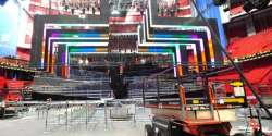 2016 Arena: The LED back wall and the arcs are ready